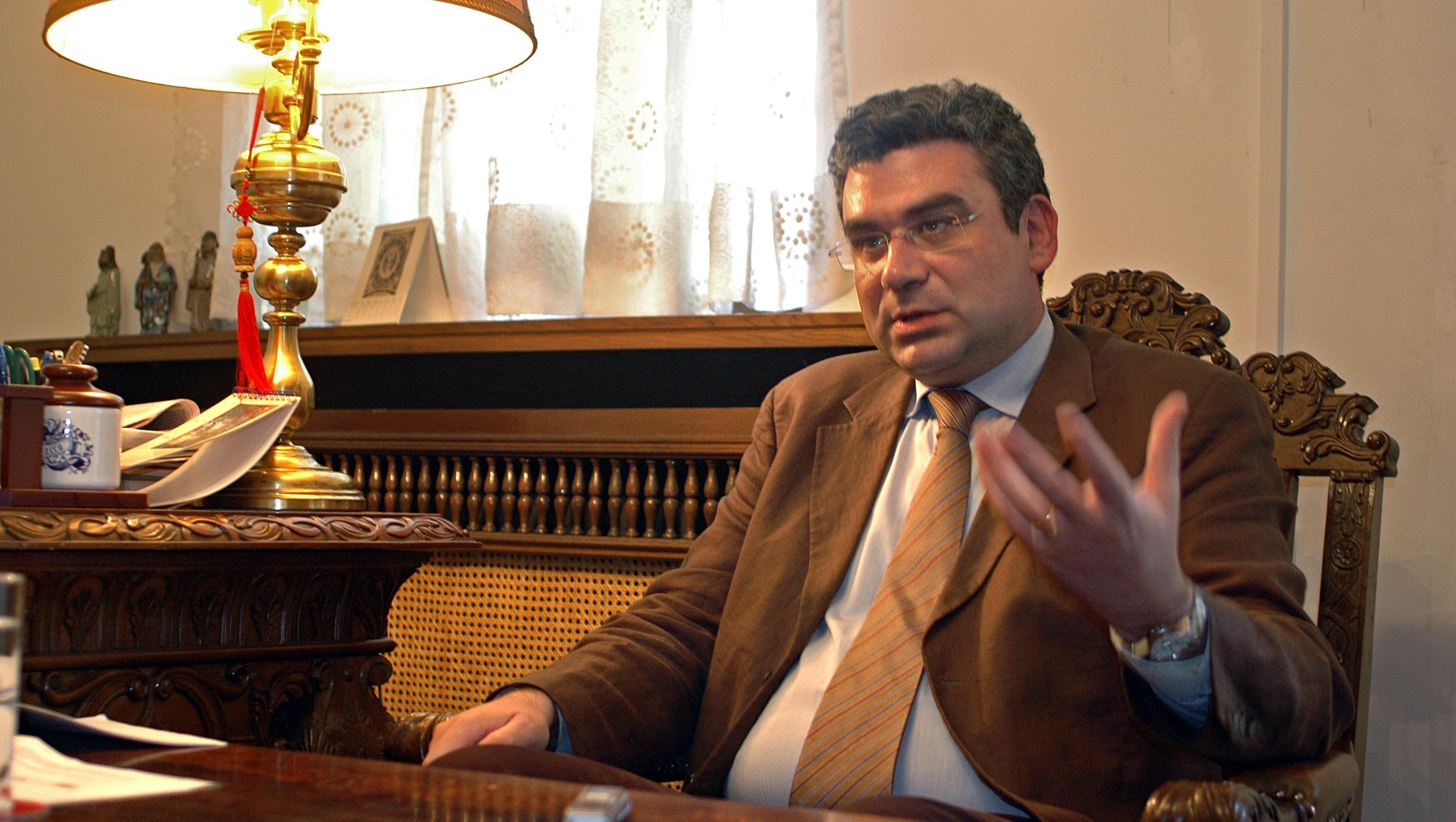 Teodor Baconschi le cere românilor să respecte legile statului gazdă / FOTO: Grup RC