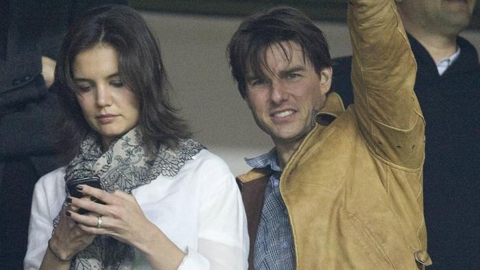 Tom şi Katie, în tribună la Sevilla
