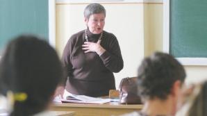 Simularea examenelor naţionale, în februarie şi martie; testele de bacalaureat, şi la clasa a XI-a