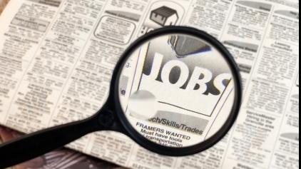 Rată ALARMANTĂ a șomajului în SUA: Aproape jumătate din populație nu are un loc de muncă