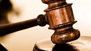 Dan Pahoni şi Corina Angheluţă, directori ai UMF, au fost trimişi în judecată.