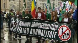 """100 de persoane, la Marşul pentru normalitate: """"România are nevoie de copii, nu de homosexuali"""""""