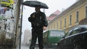 INFORMARE METEO. Vremea se răcește! Vor fi ploi și precipitații mixte în aproape toată țara