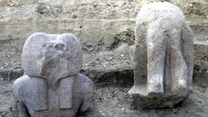 Statui descoperite în templul lui Amenhotep III / FOTO: SCA