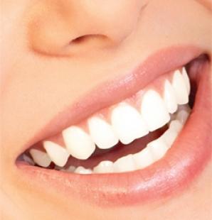 Cel mai important lucru pe care trebuie să îl faci pentru a avea dinţi albi şi sănătoşi