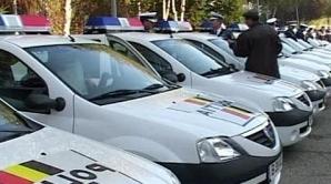 O maşină de poliţie primeşte o cotă de 100 de litri de benzină pe lună