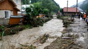 Risc de inundaţii pe mai multe râuri
