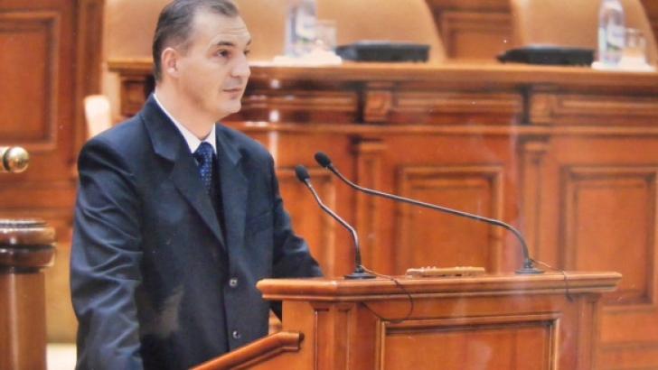 Deputatul PSD Mircea Drăghici şi un primar din Argeş, audiaţi la DNA Piteşti