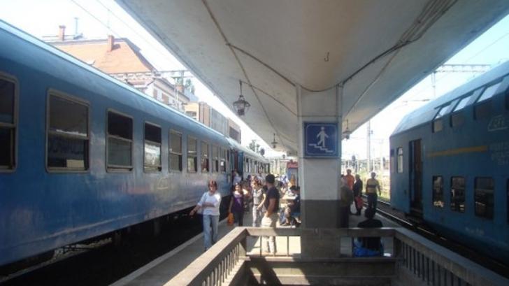 Circulația trenurilor în Gara de Nord, întreruptă din cauza întreruperii curentului electric