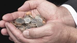 Ialomiţianu: Bugetarii vor recupera diferenţa de 15% la 1 ianuarie 2012, iar pensiile vor creşte