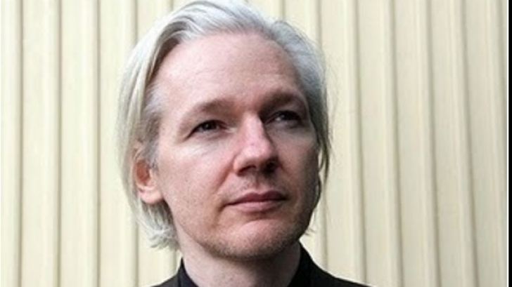 julian assange azil politic in franta