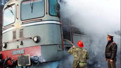 Locomotiva unui tren personal pe ruta Piatra Olt - Râmnicu Vâlcea a luat foc