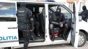 Percheziţii în Capitală. Sunt vizaţi membrii unei grupări suspectate de infracţiuni cu violenţă