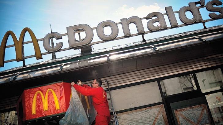 McDonald's închide restaurantele din Crimeea, iar angajaţii pot opta pentru relocarea în Ucraina