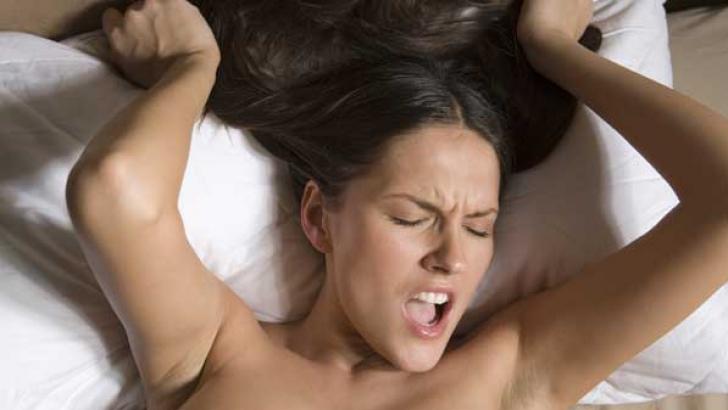 Noua metodă prin care femeile pot atinge ORGASMUL