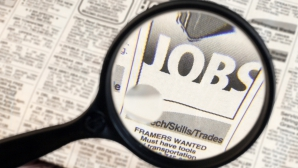 Angajatorii oferă 17.300 de joburi