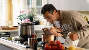 Bărbat în bucătărie. Foto: New York Daily News
