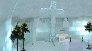 Biserica de gheaţă de la Bâlea Lac a fost sfinţită