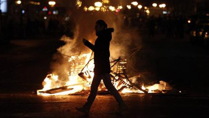 PETIŢIE: Spune NU violenţei în Piaţa Universităţii