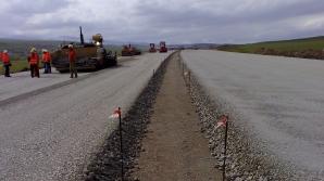 Lucrări de asfaltare pe A1 Timişoara – Arad. Se circulă doar pe o bandă