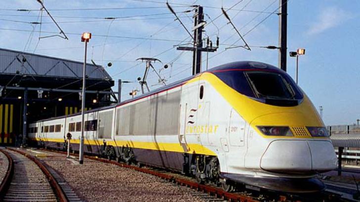 Eurostar, cel mai rapid tren din Marea Britanie. Trenul din imagine circulă pe ruta Paris-Londra