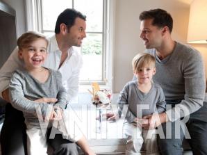 Ricky Martin, iubitul său Carlos şi gemenii lor, Matteo şi Valentino