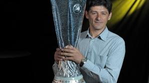 Miodrag Belodedici şi trofeul UEFA Europa League