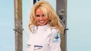 Pamela Anderson şi-a lansat echipa de curse auto