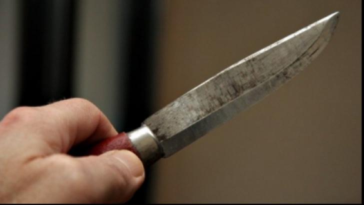 Adolescentă de 16 ani însărcinată, înjunghiată de iubitul ei de 36 de ani