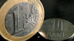 Euro a sărit la 4,46 lei