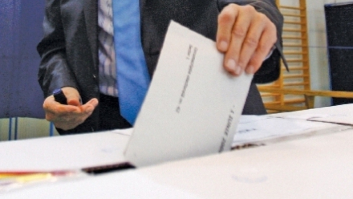 FADERE consideră justificată demisia lui Corlățean și cere 1000 de secții de votare în diasporă