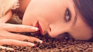 Cum te face mai frumoasă zațul de cafea
