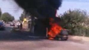 Maşină în flăcări la Iaşi