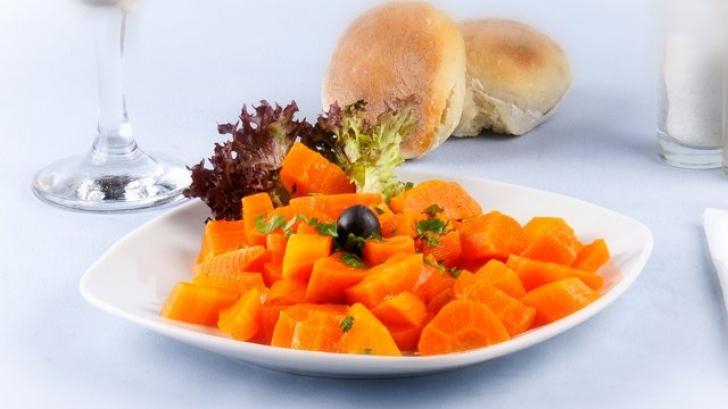 Morcovii reprezintă o altă sursă importantă de vitamina A şi beta-caroten