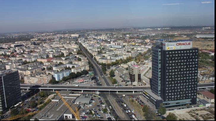 Cartierul Aviaţiei văzut de pe SkyTower Bucureşti