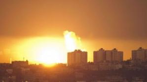 Bombardamentele în Fâşia Gaza au ucis cel puţin 1000 de oameni