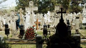 ŞOC: Ce a găsit familia în mormântul unei femei moarte cu 43 de ani în urmă