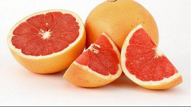 <p>Pericolul nestiut: un singur grapefruit poate sa te omoare</p>