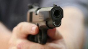 Doctoriţă găsită împuşcată într-o maşină, la Hunedoara
