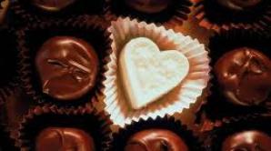 Bărbații japonezi primesc ciocolată de Sfântul Valentin