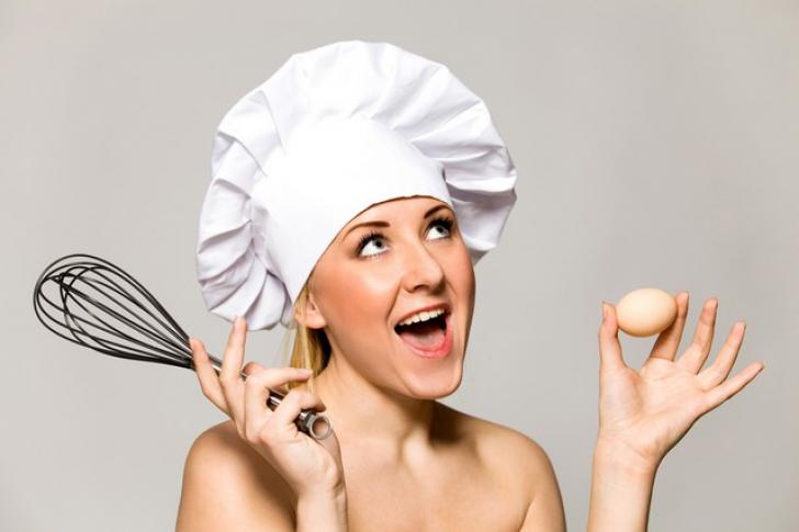 Ultima tendinţă în materie de bloguri de reţete: bucătarii care gătesc goi