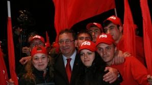 Constantin Constantinescu, primarul Bârladului, la un miting în campania electorală care a precedat alegerile locale 2012