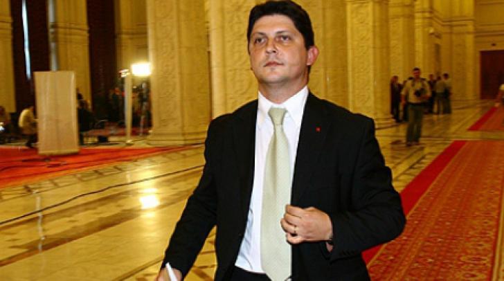 Ministrul de Externe: Românii au din 2014 aceleaşi drepturi în Marea Britanie ca restul europenilor