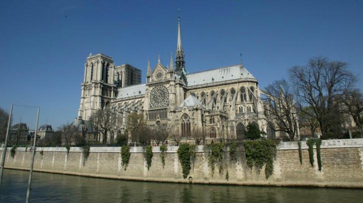 <p>Catedrala Notre Dame din Paris</p>