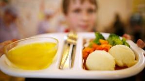 Monica Iacob-Ritzi propune pachete alimentare sau masă caldă pentru elevi / Foto: guardian.co.uk