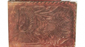A cumpărat un portofel cu 25 de cenţi şi a rămas UIMIT când l-a deschis
