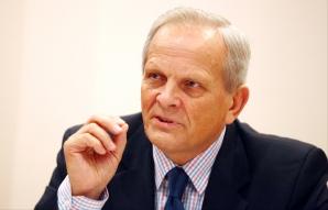 DOSAR DE POLITICIAN: Theodor Stolojan, dosar ANI şi afacerile vremurilor trecute