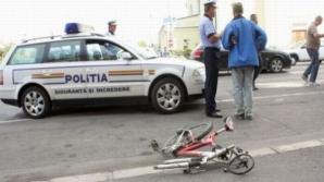 Un biciclist a ajuns la spital, cu traheea secționată,după ce un şofer a deschis portiera
