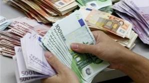 Bani pentru statui și salarii