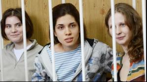 Două membre ale Pussy Riot spun că au fost arestate la Soci